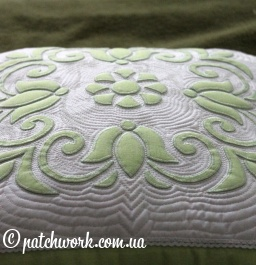Trapunto Pillow Case with Applique