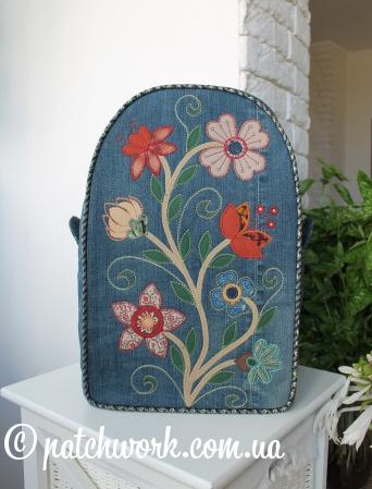 Джинсовый рюкзак с аппликацией